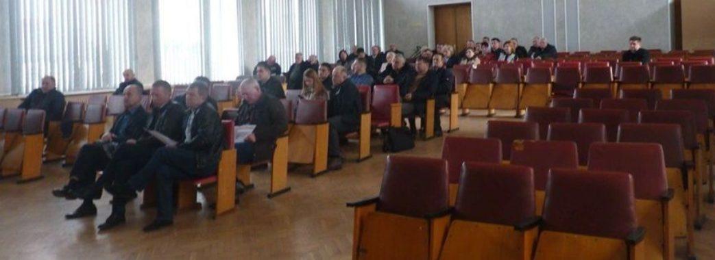 Депутати не дозволили голові Старосамбірської райради порушити регламент
