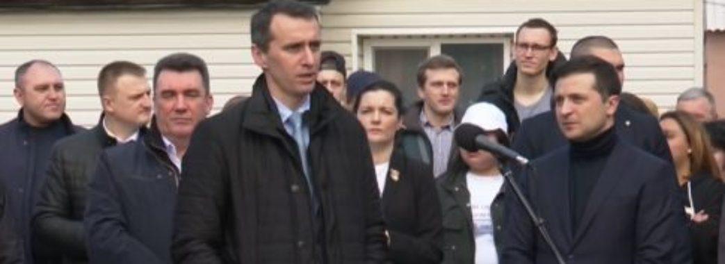 В Україні через коронавірус призупинять навчання у школах