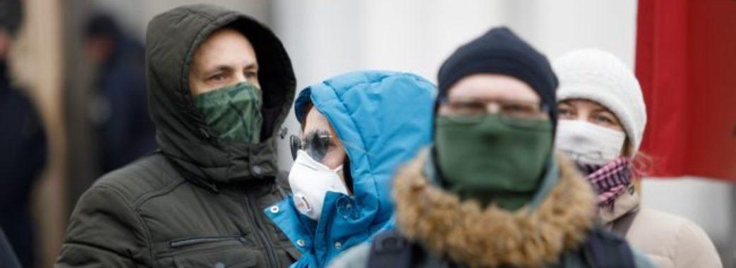 Коронавірусом заразилися 334 медики: дані про COVID-19 в Україні