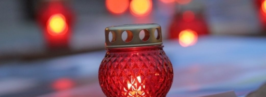 «Дозволили прийти лише домашнім»: завтра на Жовківщині відспівають померлу від коронавірусу
