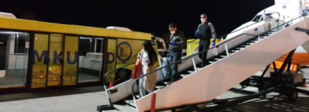 Триста українців літаками евакуювали з-за кордону (Відео)