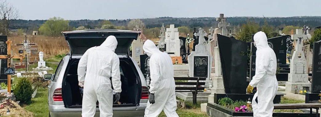 Попрощатися зміг лише зять: на Яворівщині поховали померлого від COVID-19