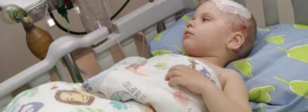 «Думали звичайне отруєння, а виявилось пухлина мозку»: маленькому Владиславу Копачу дуже потрібні гроші на лікування