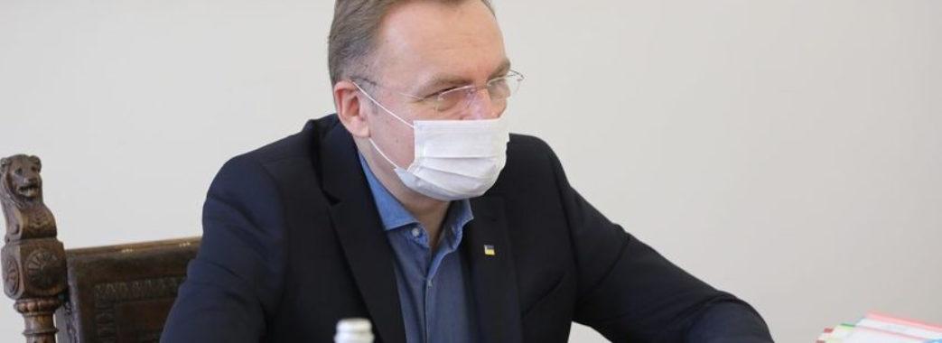 Андрій Садовий працює дистанційно: занедужав та пройшов тест на COVID-19