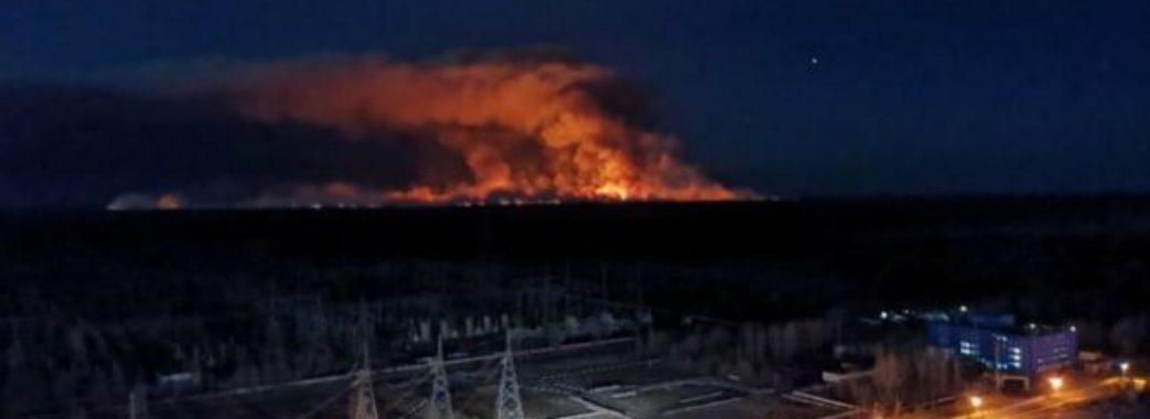 Пожежа в Чорнобильській зоні наближається до сховищ з радіовідходами