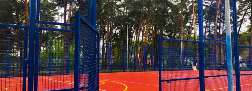 У Брюховичах облаштують громадський простір біля спортивного майданчика