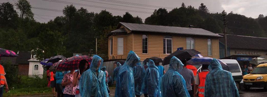 Повна мобілізація мешканців 11 сіл: протест на Старосамбірщині стає жорсткішим(ВІДЕО)