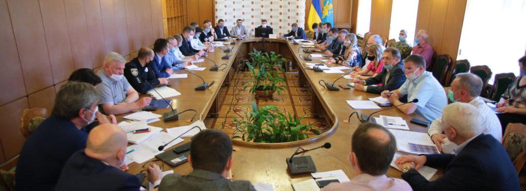 «Зараз усі цифри свідчать про пік захворюваності»: на Львівщині продовжили карантин до 19 червня