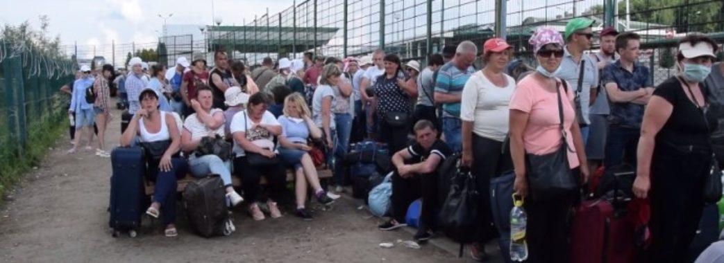 10 годин у черзі: на кордоні з Польщею загострилася ситуація з перетином