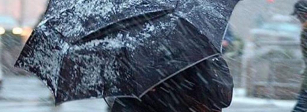 Грози, град та пориви вітру: на Львівщині оголосили штормове попередження