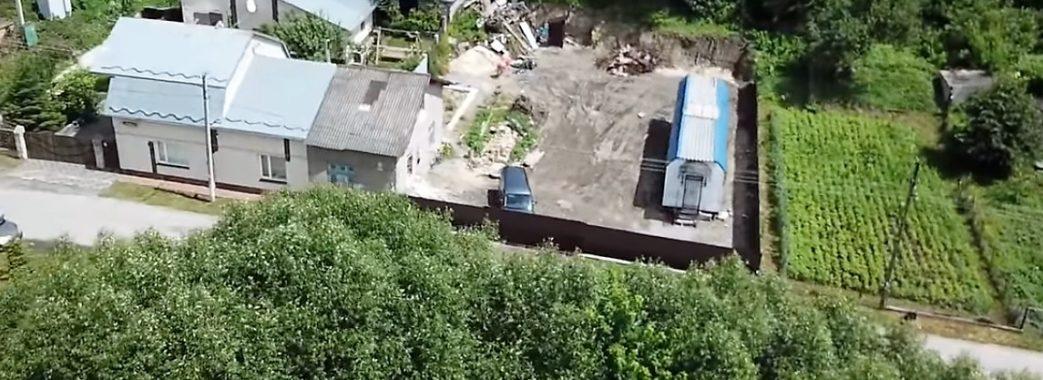 «Не дозволимо»: мешканці Золочева підозрюють, що в їх місті будують храм Московського патріархату (Відео)