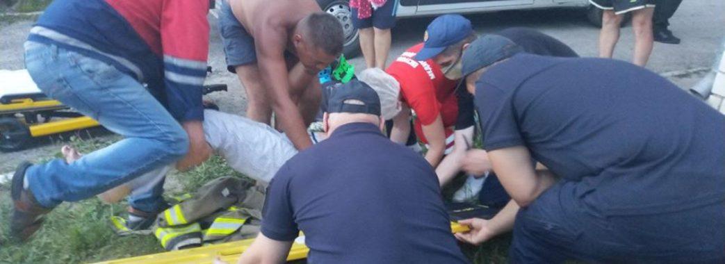 «Закрутилась голова»: на Яворівщині пенсіонерка впала у колодязь