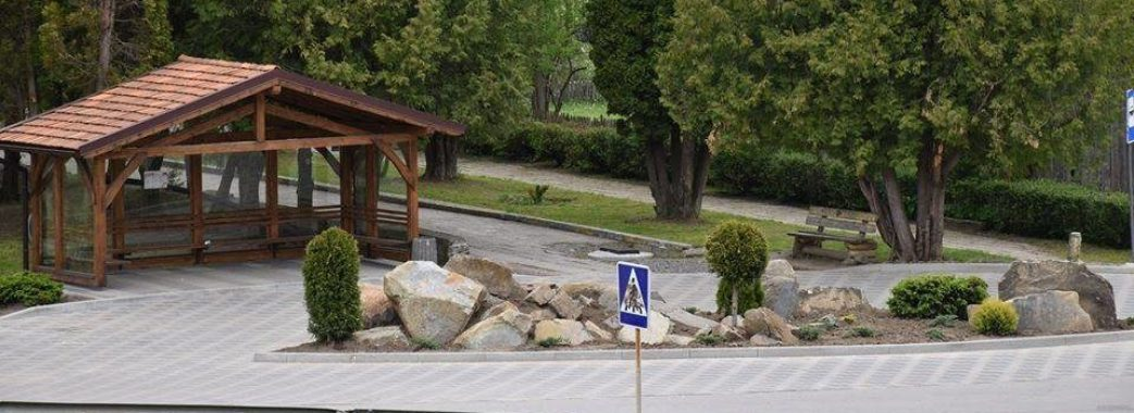У Славській ОТГ встановлюють безпечні зупинки для громадського транспорту