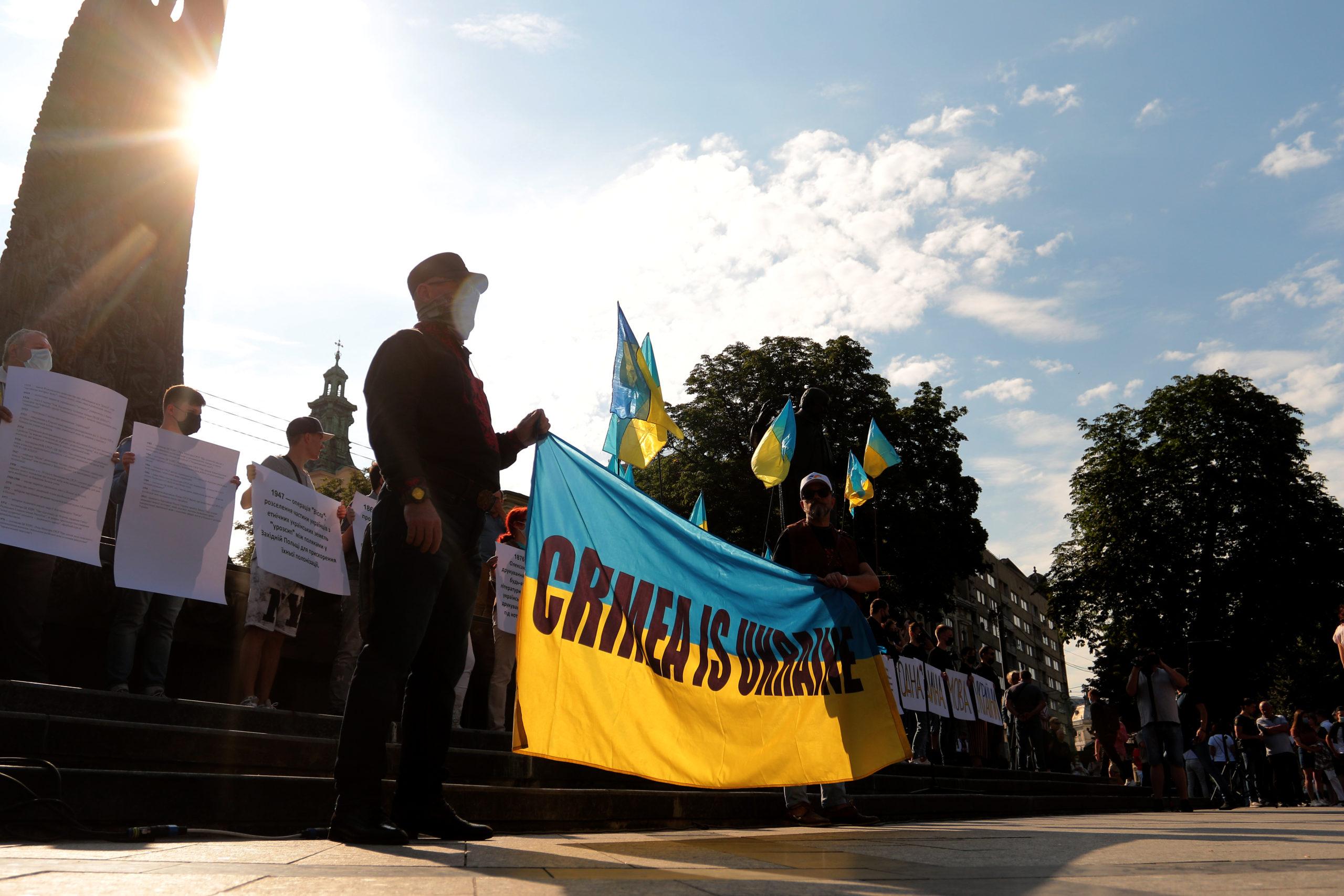 aktsiya-zastupys-za-ukrayinsku-vyhod-na-ploshhu-lviv-16-lypnya-2020-5