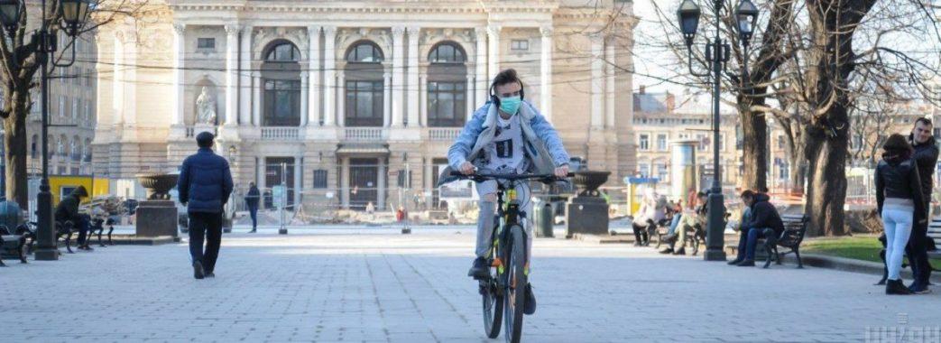 В Україні хочуть зменшити штрафи за перебування без маски у публічному місці