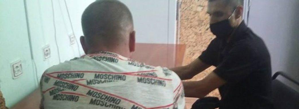 На Стрийщині після сутички зі зловмисниками поліцейський потрапив до лікарні