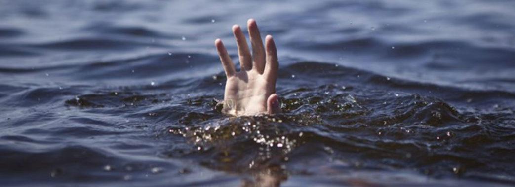На Пустомитівщині в озері знайшли мертвим хлопця, який зник напередодні