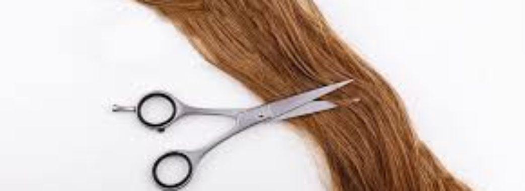Поліцейська обрізала волосся, щоб зробити перуку для онкохворої дитини