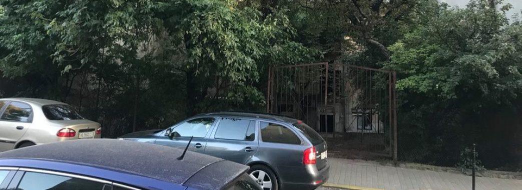 «Львівські депутати вчергове віддали землю наближеним до мера людям», – УГП