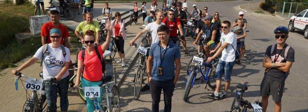 «Ще й встигали дорогою жартувати»: у Миколаївському районі пройшов велопробіг