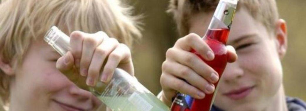 «Іноді привозять у глибокій комі»: цього року львівські лікарі від алкогольного отруєння рятували 31 дитину
