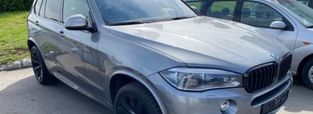 Митники на Мостищині конфіскували автомобіль за мільйон гривень