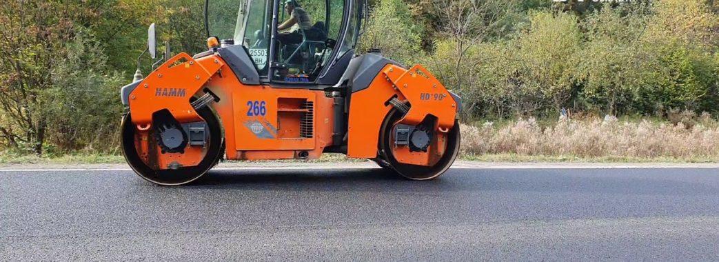 На Сколівщині після дворічної перерви продовжили ремонт дороги