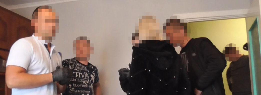 Яворівчанин вимагав у подруги 500 доларів за непоширення інтимного відео