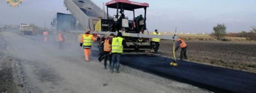 На Золощівщині ремонтують дорогу за майже 30 мільйонів гривень
