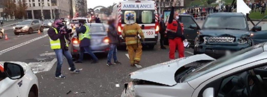 У самому центрі столиці позашляховик на величезній швидкості збив людей, є загиблі