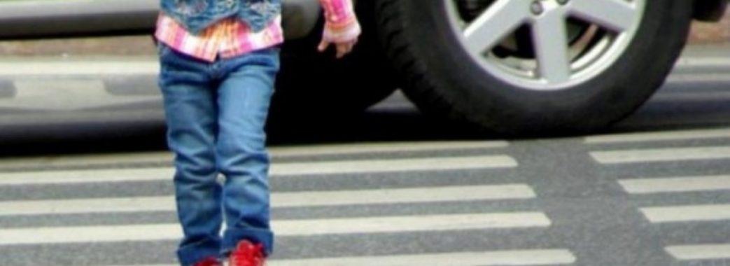 Раптово вибіг на дорогу: в аварії у Новояворівську постраждав 7-річний хлопчик