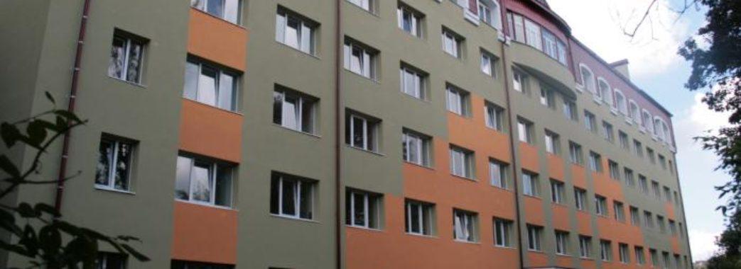 Помер на місці: у Львові студент випав з вікна 6-го поверху гуртожитку