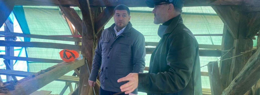 На Дрогобиччині подарують друге життя унікальній дзвіниці