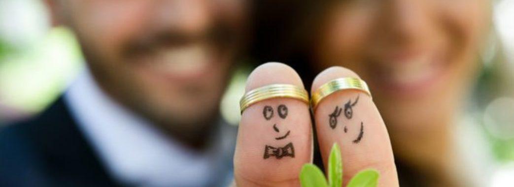 На Львівщині чоловіки стали пізніше одружуватись: названо середній вік