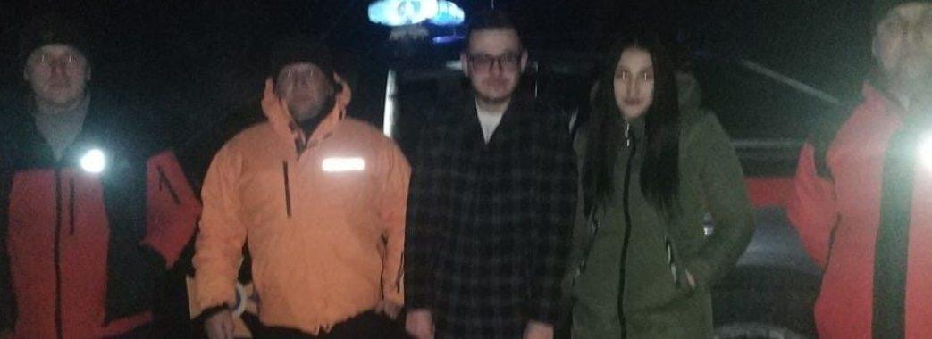 Славські рятувальники знімали з гори закоханих з Радехівщини
