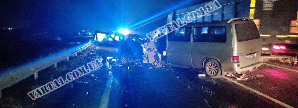 Усіх доставили до лікарні: в аварії на Стрийщині постраждали десятеро людей (ФОТО)