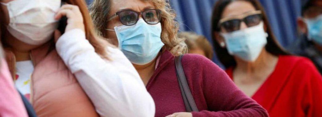 Коли українці зможуть повернутись до нормального життя після пандемії: прогноз санлікаря