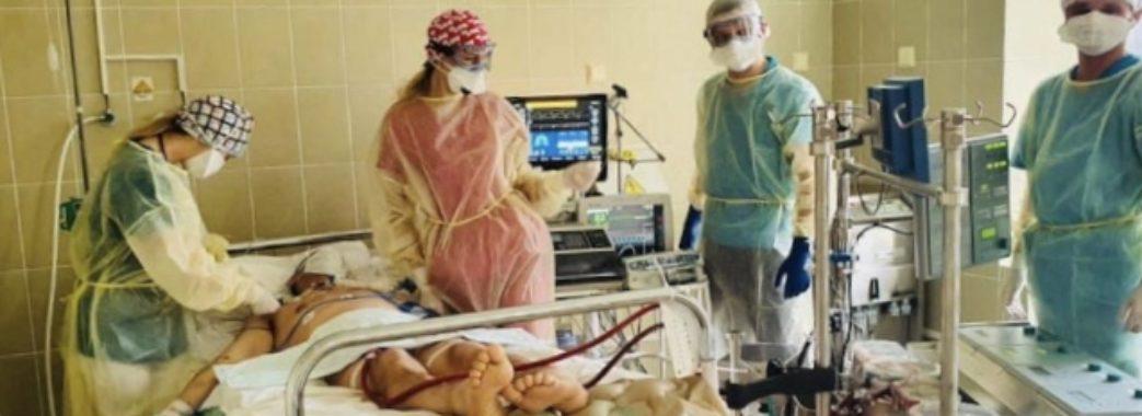 Як рятують важкохворих на COVID-19: фото з львівської лікарні