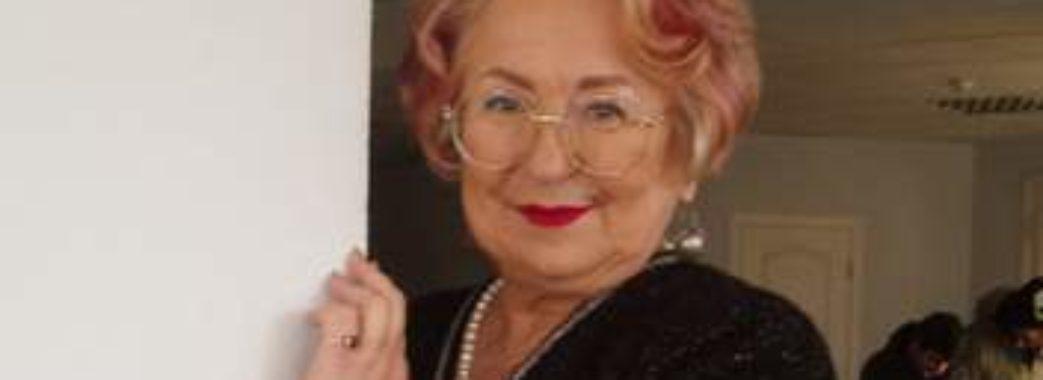 Лише 74-річна львівська лікарка не зробила жодної помилки у радіодиктанті