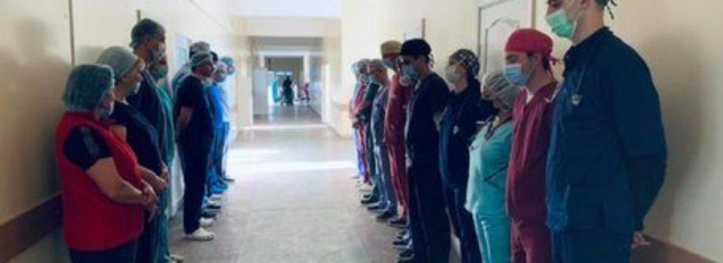 Після смерті врятувала чотири життя: львівські медики віддали шану 47-річній жінці-донору (Відео)