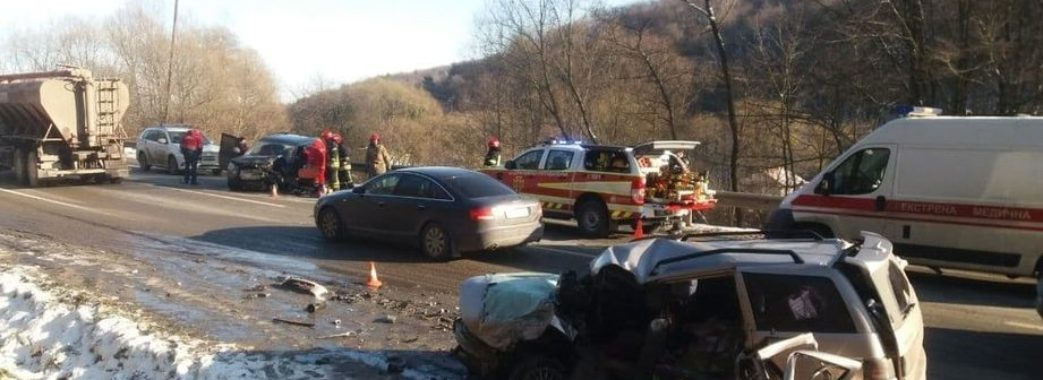 У смертельній ДТП поблизу Львова загинули чоловік та 2-річна дитина