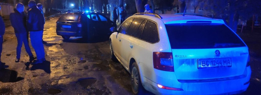 У Львові п'яний поліцейський скоїв аварію та намагався втекти