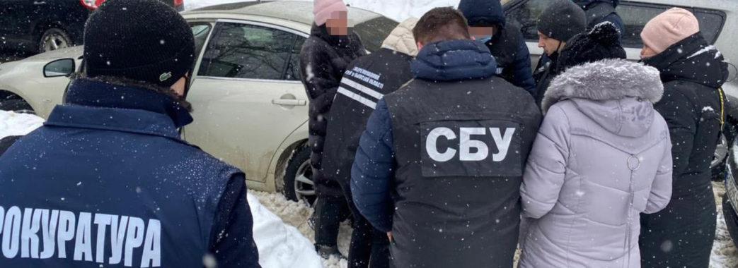 На Львівщині викрили на хабарі чиновницю Держпродспоживслужби
