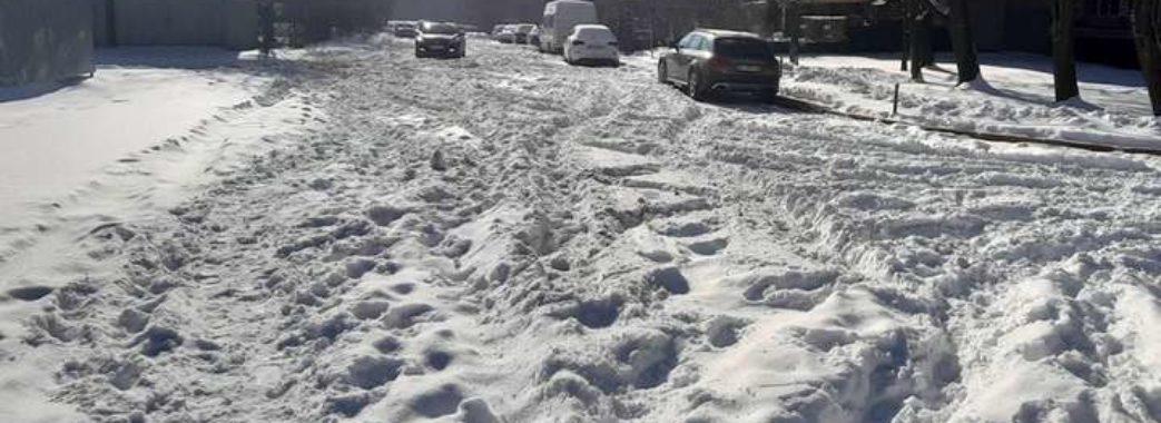 Школи на дистанційне та заборона на в'їзд вантажівок: Львів вводить обмеження через погоду