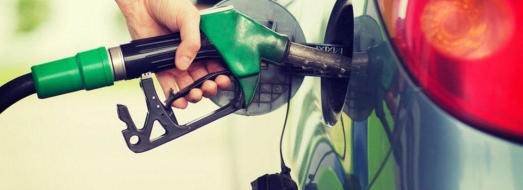 Ціни на бензин і дизпаливо нестримно поповзли вгору