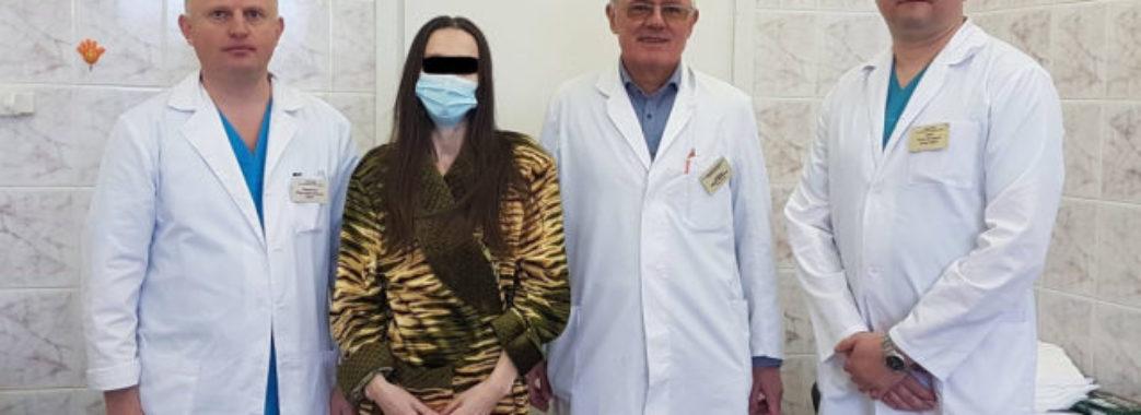 «Думала, то зайва вага»: у Львівському онкоцентрі жінці видалили 30-кілограмову пухлину