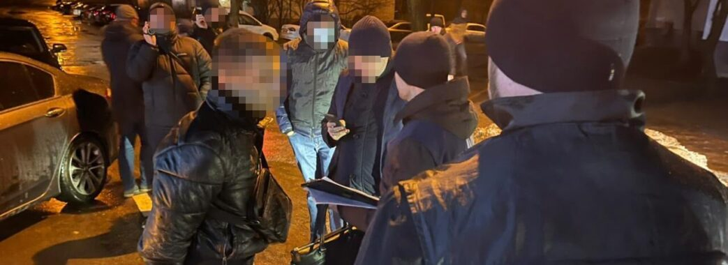 У Львові офіцера поліції затримали за хабар
