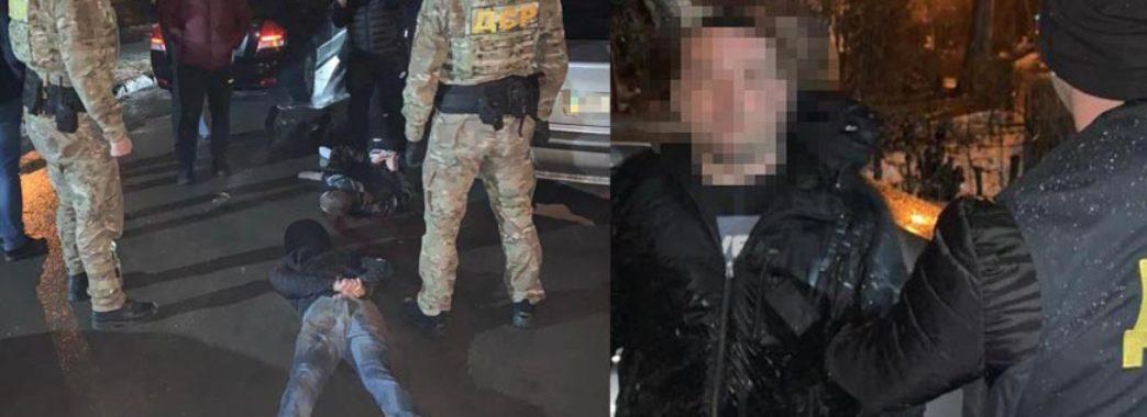 Викрадали людей та вимагали грошей: на Львівщині затримали злочинну банду