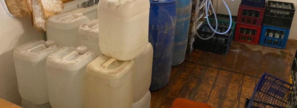 На Яворівщині викрили цех з виготовлення сурогатного алкоголю
