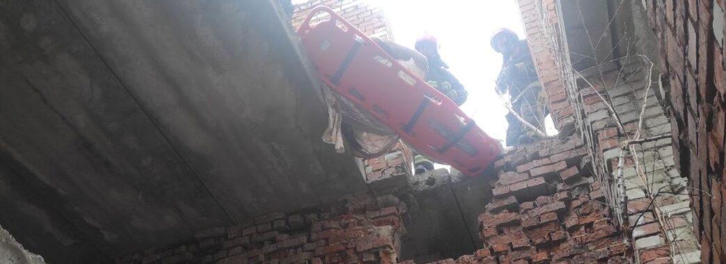 Розбирав закинуту будівлю: на Львівщині трагічно загинув чоловік